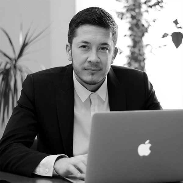 Vladislav Plotnikov:Sales Manager